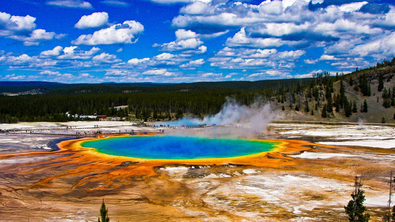 The Yellowstone Loop: 11 Stops You Must Make on an Epic ...