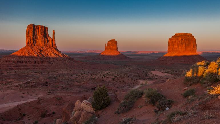 monument valley bbw dating site Folleto de monument valley de  anasazi sites and ruins dating  for information on tours into the valley please contact the monument valley visitor center.