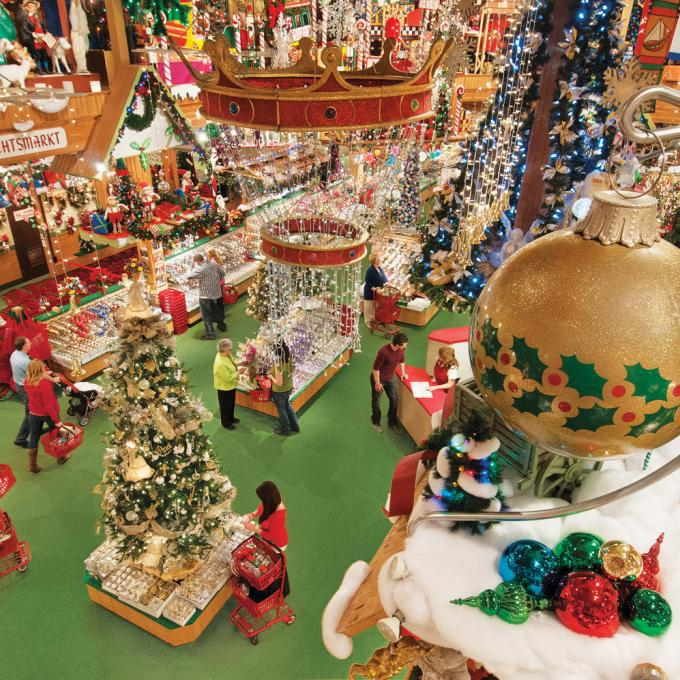 frankenmuth is home to the worlds largest christmas store bronners christmas wonderland which is open all year - Largest Christmas Store