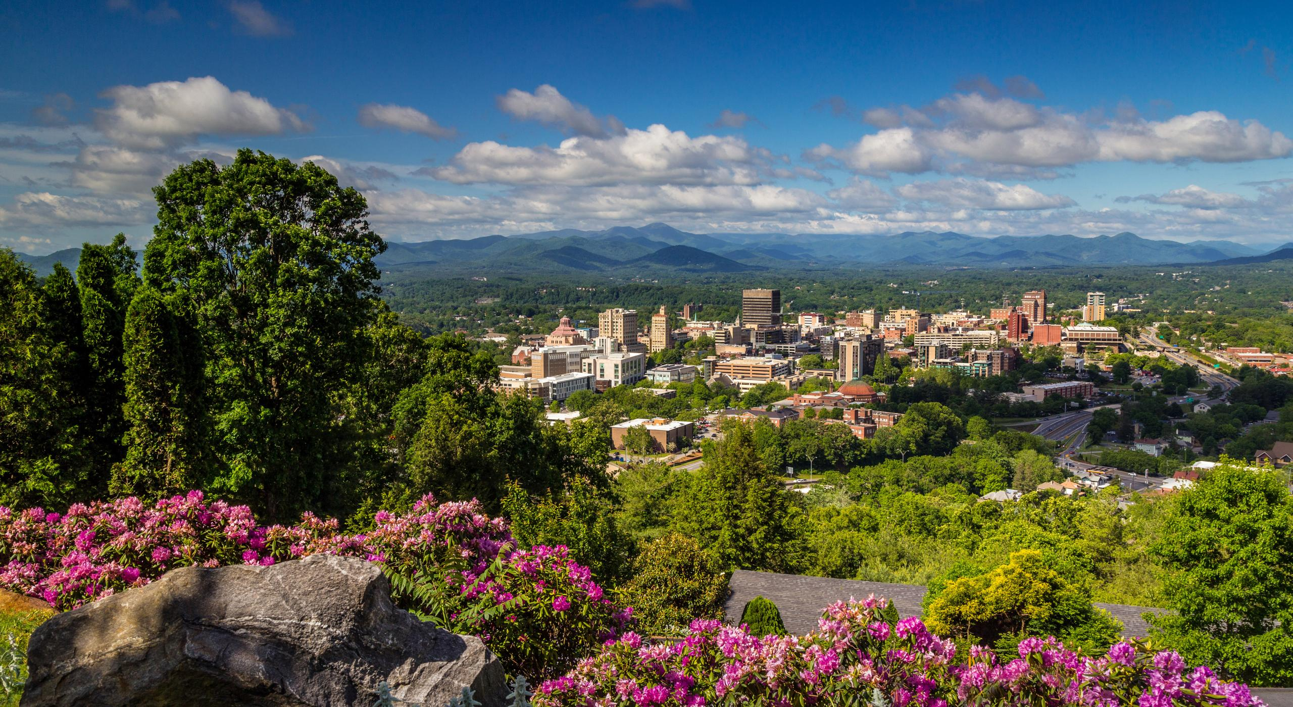 Asheville, North Carolina | Mountain Haven with a Funky Soul