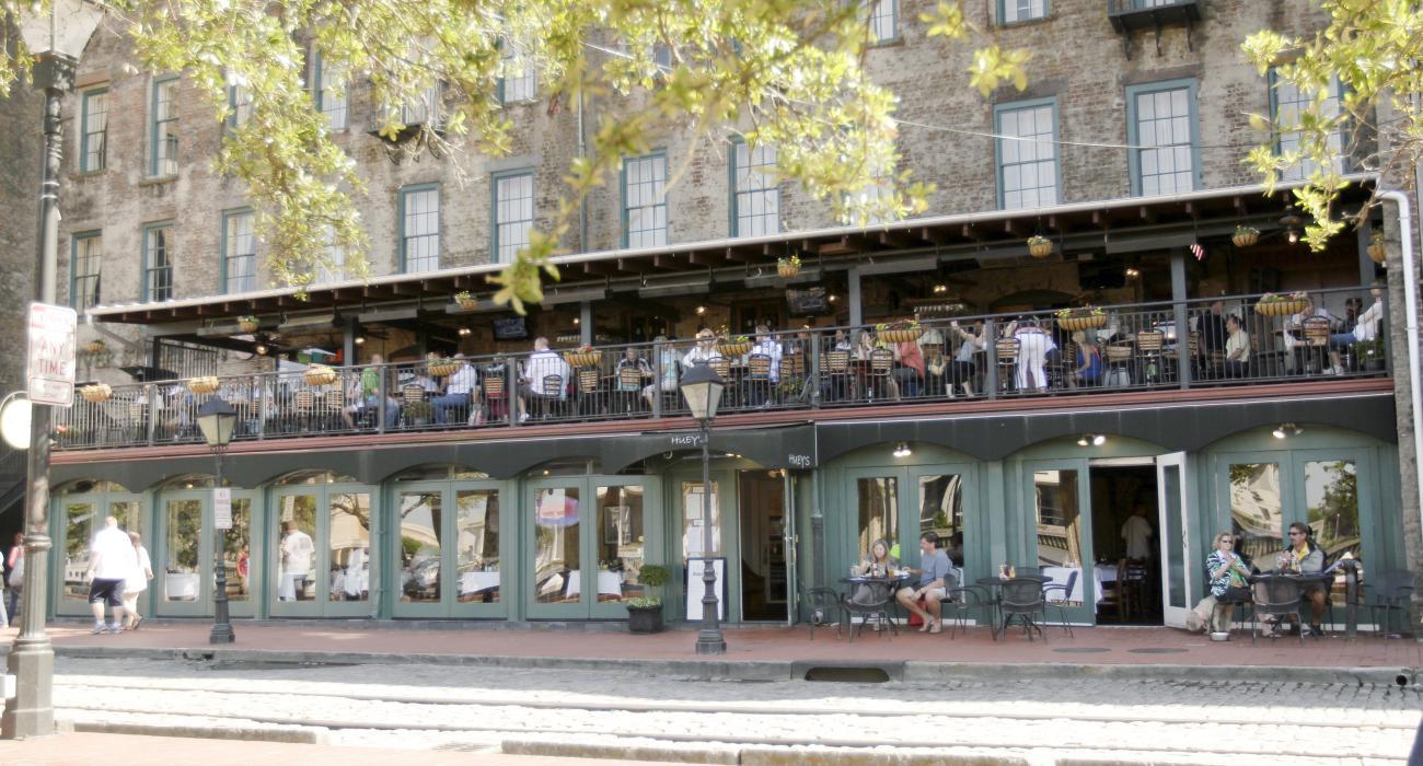 Savannah georgia usa history holiday charm and family fun for M m motors savannah ga