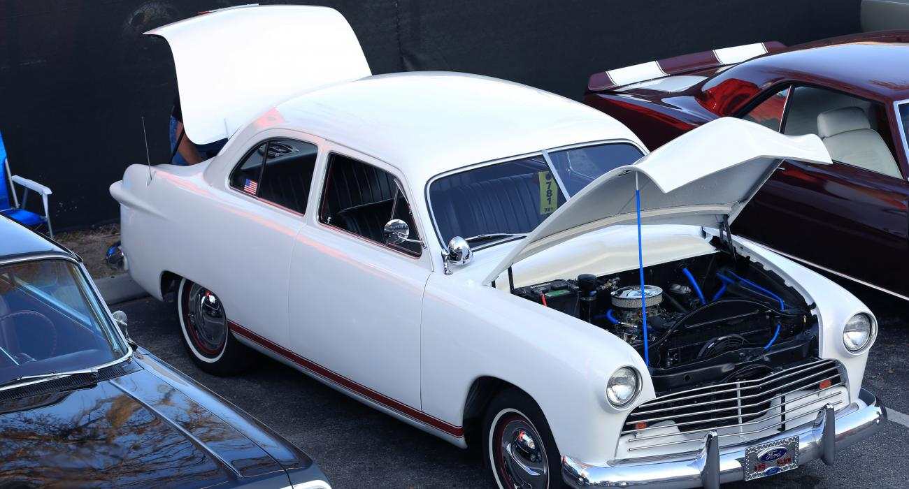 Kissimmee\'s Old Town: Sweet Treats and Fabulous Vintage Cars