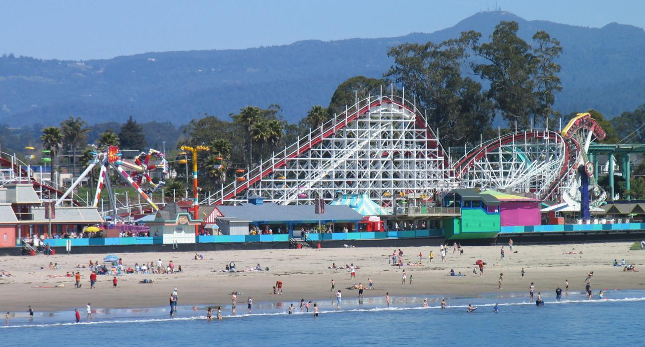 santa cruz beach boardwalk a seaside amusement park operating since 1907