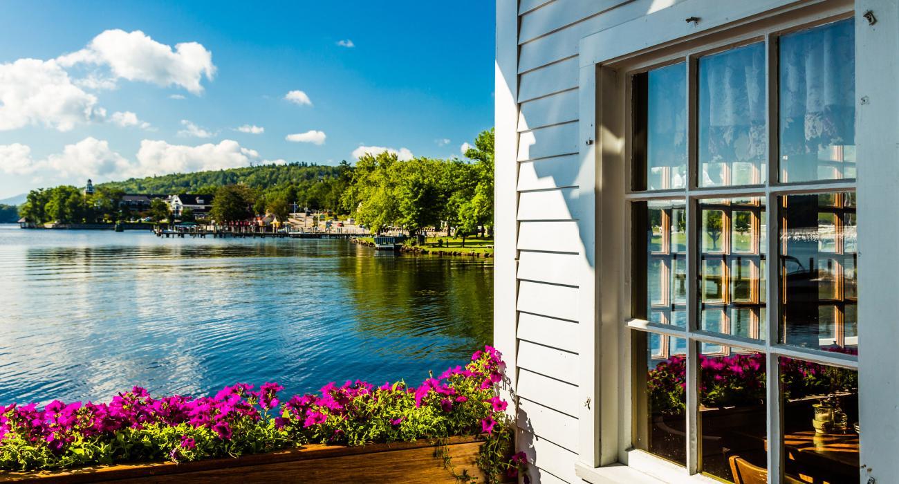 Lake Winnipesaukee New Hampshire: Cruises, Shopping and Skiing