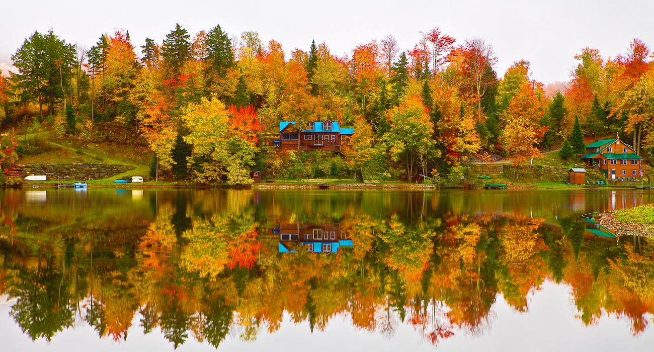stowe vermont resort skiing fall foliage and attractions