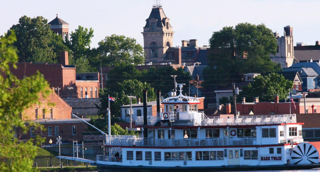 Hannibal, Missouri: Walk in Mark Twain's Footsteps