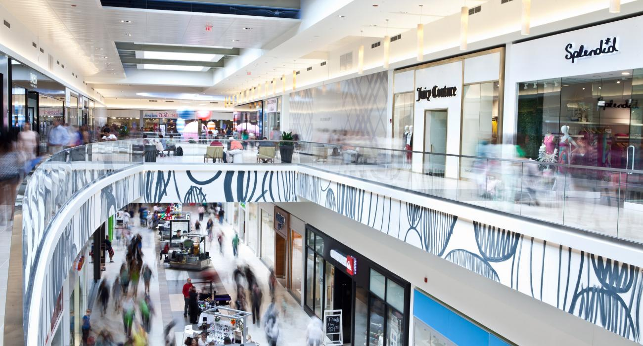 Located in Chicago, IL - Fashion Outlets of Chicago is an outlet shopping center including Neiman Marcus Last Call, Gucci, Saks Fifth Avenue OFF 5th and stores at up to 75% off.