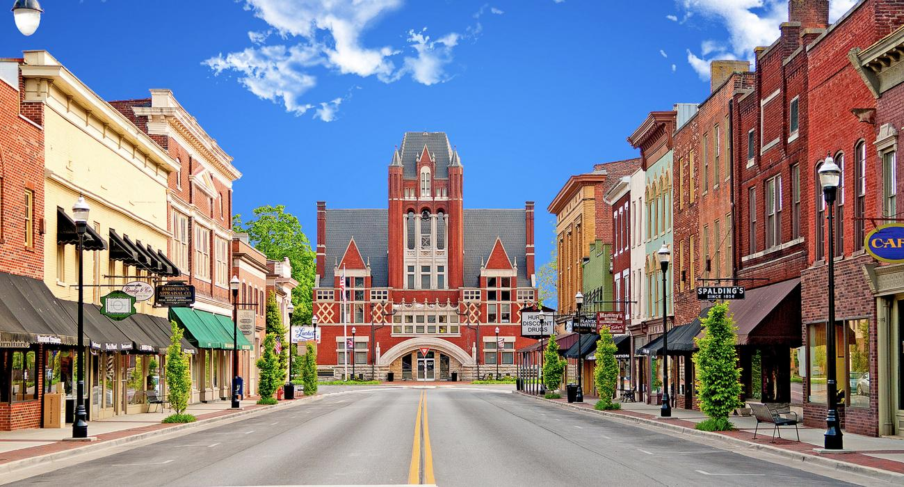 Bardstown, Kentucky: A Charming Town Where Bourbon is the Lure