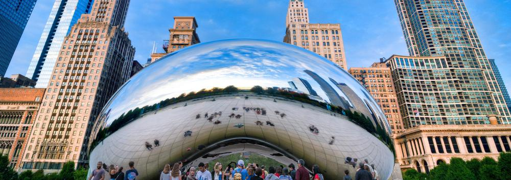 The Cloud Gate sculpture in Chicago, Illinois